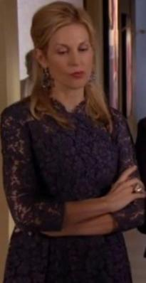 Lily Vander Woodsen, blue lace dress, hollywood fashion